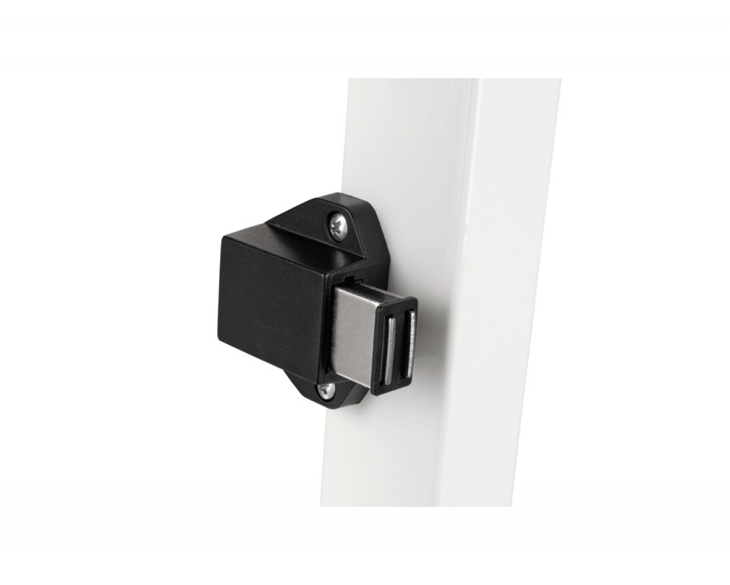Magnetic latch.